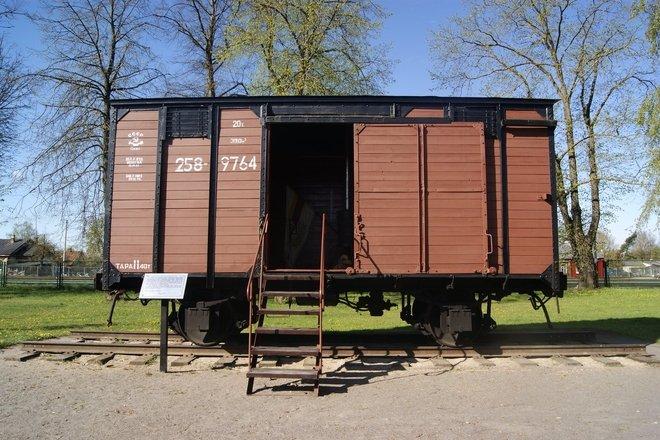 THE DEPORTATION TRAIN WAGON