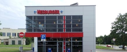 HESBURGER DRIVE - IN